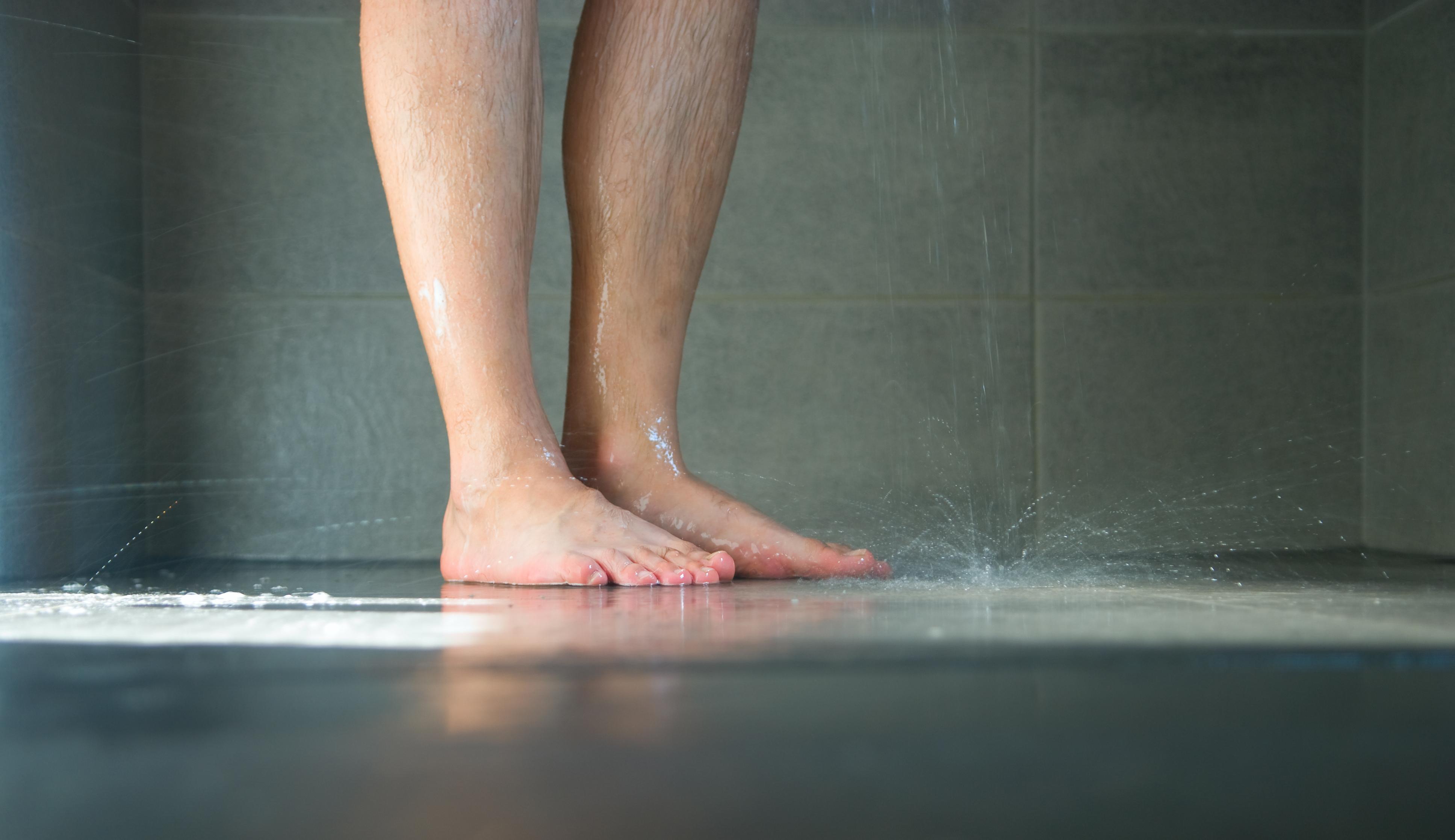 Inloopdouche Met Sanitairspecialist : Van bad naar inloopdouche