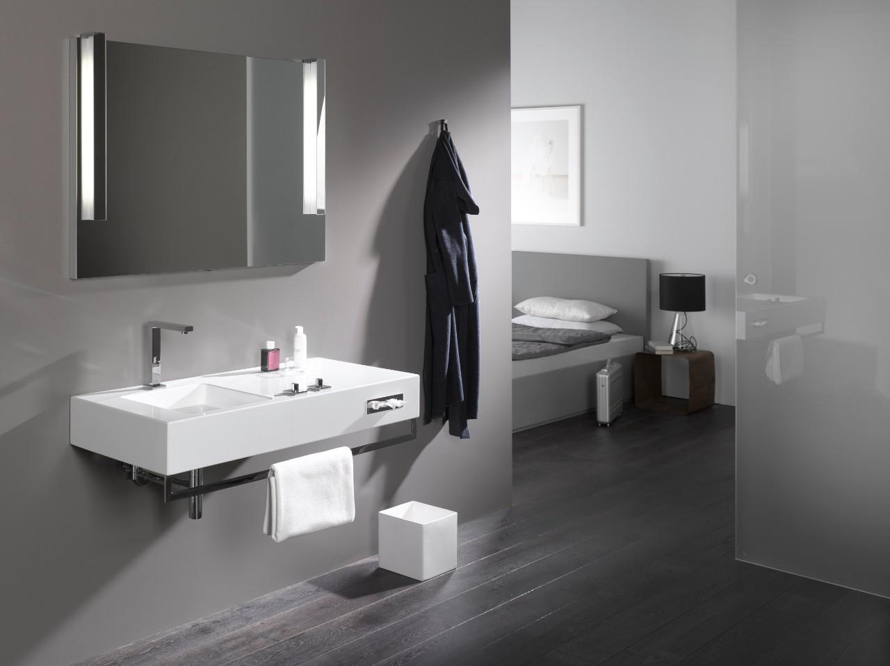 Geglazuurd stalen wastafel alape met kraan dornbracht symetrics - Vormgeving van de badkamer kraan ...