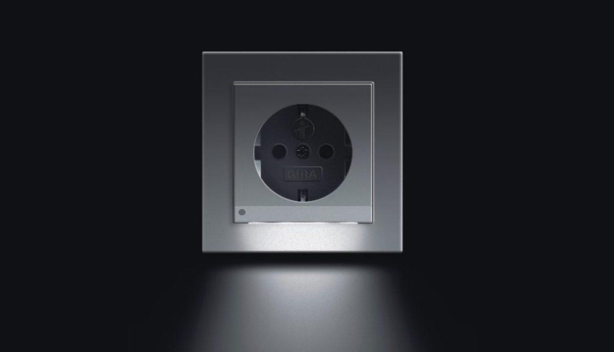 Wandcontactdoos Gira met LED-verlichting