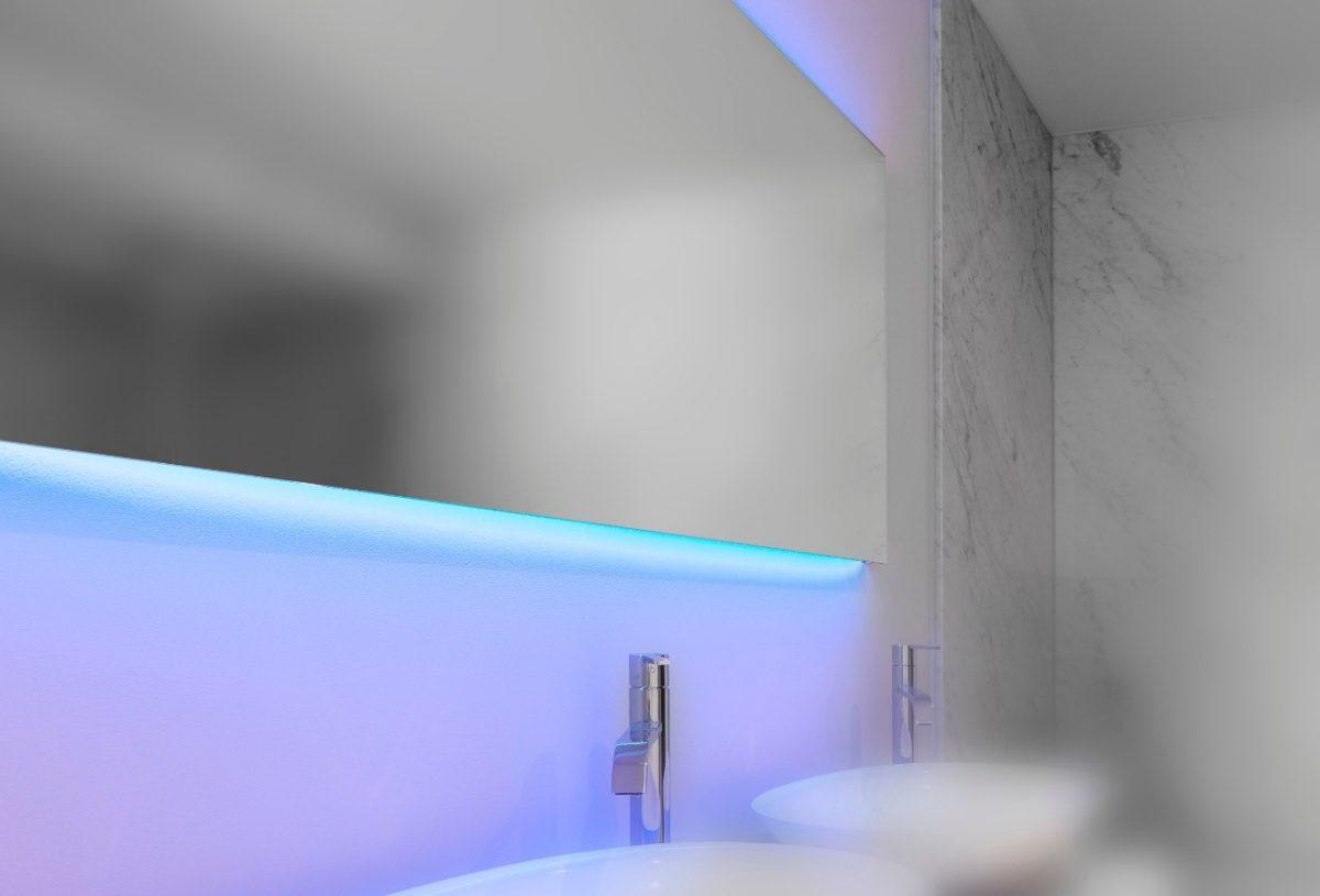 Looox mirror c line spiegel met led verlichting for Spiegel badkamer verlichting