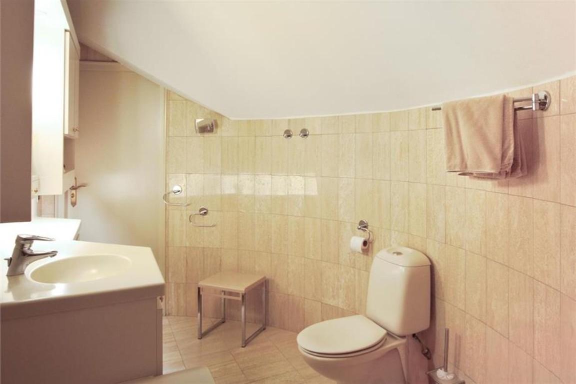 Badkamer Zelf Tegelen : Een hele uitdaging verbouwen van een badkamer met ronde vormen