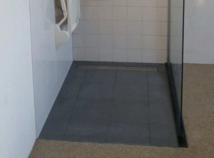 https://www.thuiscomfort.nl/thema/aangepaste-badkamer-ouderen-oogt-modern/_jcr_content/par/image_1.img.jpg/1466078689141.jpg